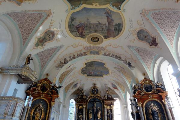 Deckenansicht in der Willinger Pfarrkirche