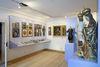 Ausstellungraum mit religiösen Darstellungen im Museum im Bierlinghaus