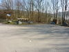 Direkt am Schieferpfad liegt der Wanderparkplatz.