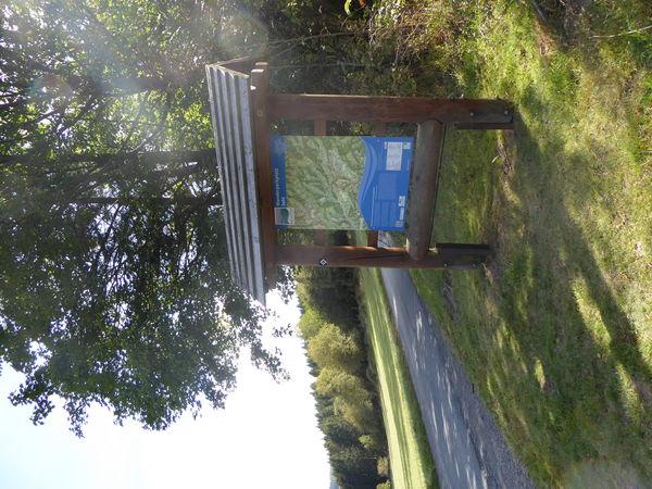 Eine Übersicht über das Wanderwegenetz findet sich direkt am Wanderparplatz.