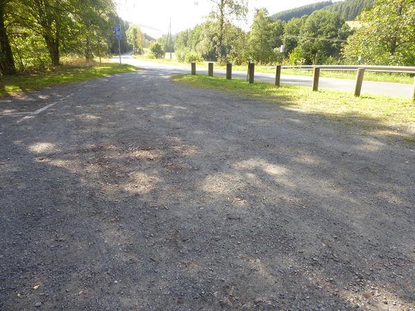 Unweit der Goldeiche - der Wanderparkplatz Winterbach