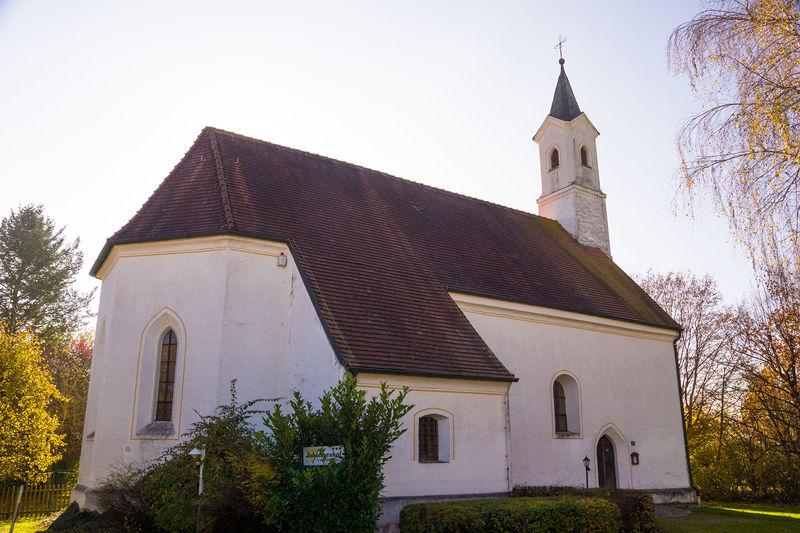 Filialkirche St. Johannes der Täufer in Aunham