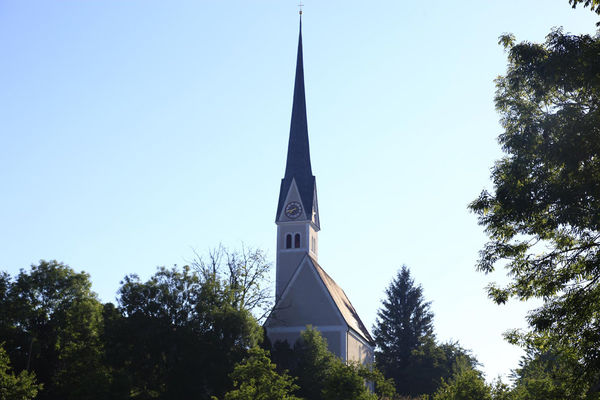 Filialkirche St. Johannes und Paulus in Mauerkirchen - © Tourist Information Bad Endorf