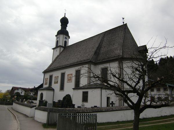 Kirche Mariä Himmelfahrt in Antwort