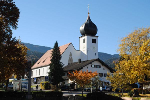 Pfarrkirche Herz-Jesu im Ortskern