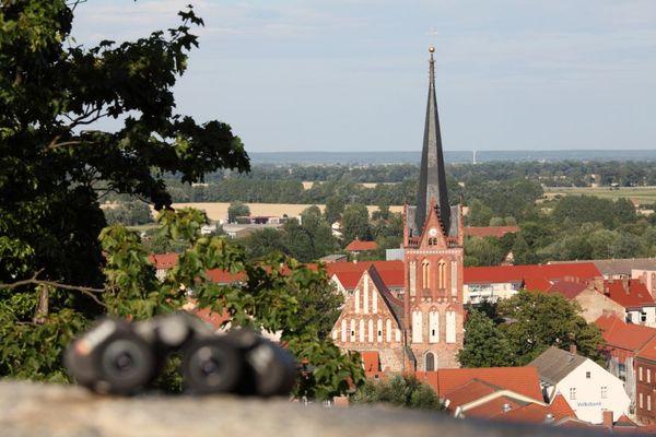 Blick von der künstlichen Ruine auf Bad Freienwalde, Foto: HERREPIXX.DE