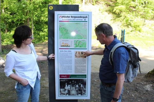 Wanderer auf dem Gesundheitsweg, Foto: Bad Freienwalde Tourismus GmbH