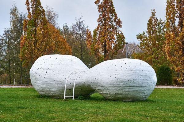"""""""Wolkenliege"""" - Toni Schaller"""