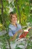 Bücher, Zeitschriften und Zeitungen laden zum erholsamen Schmökern ein.