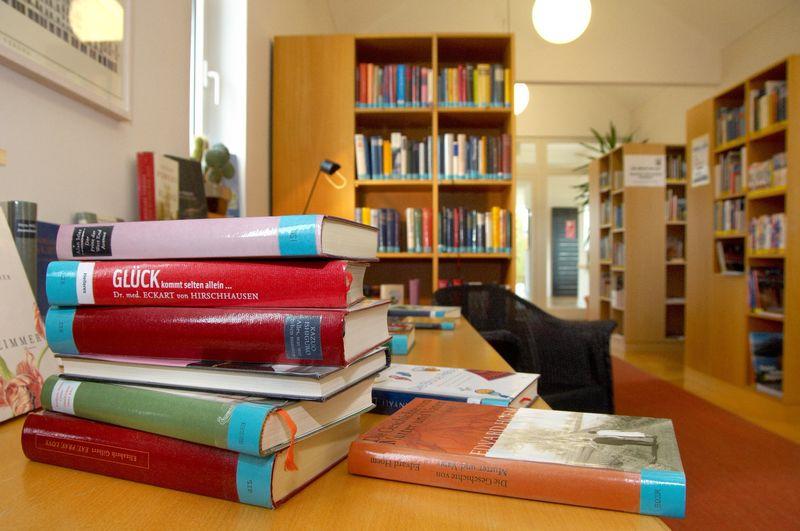 Von Krimi bis Sachbuch- die gut sortierte Kurbücherei in Bad Gögging bietet für jeden den richtigen Lesestoff.