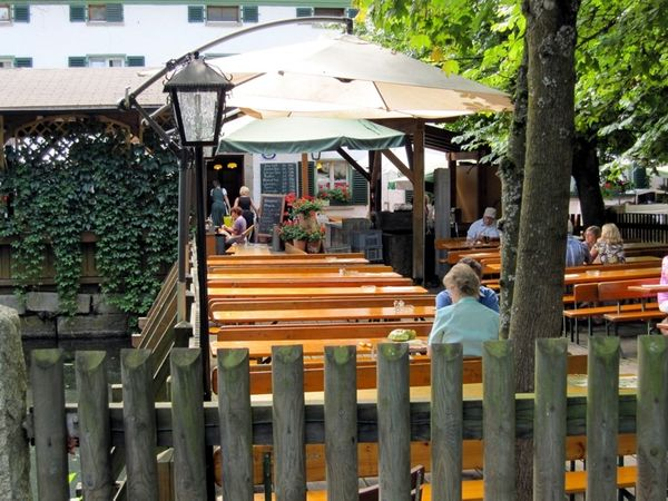 Erholung und Entspannung finden Sie im Biergarten beim Lindner-Bräu in Bad Kötzting