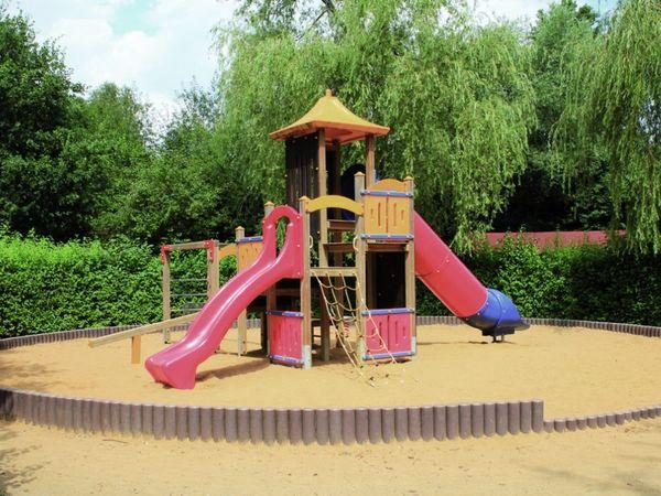 Kinder-Spielplatz bei der Minigolf-Anlage im Kurpark Bad Kötzting