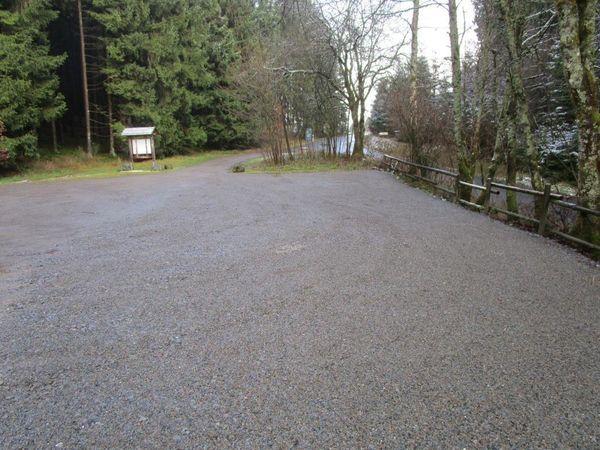 Impression des Wanderparkplatzes An der Indel