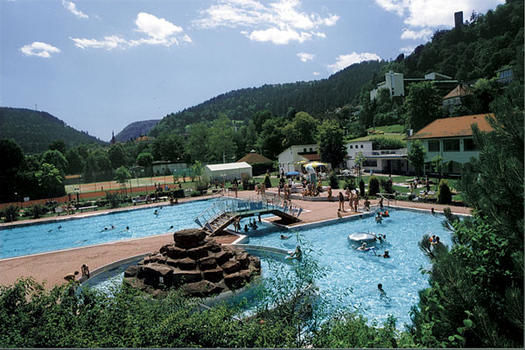 Piscine en plein air bad liebenzell foret noire - Hotel en foret noire avec piscine ...