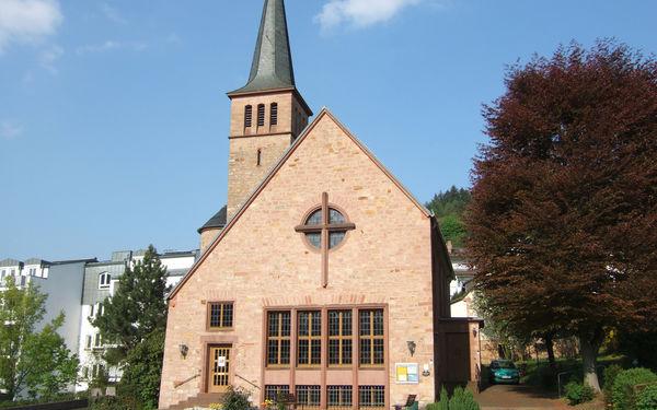 Außenansicht Martin-Luther-Kirche