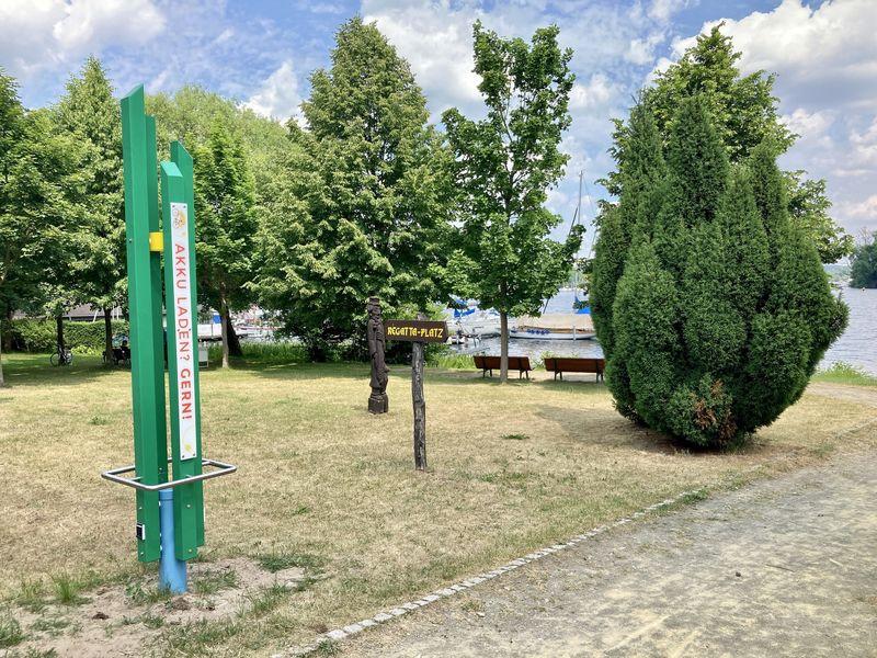 Ladesäule am Regattaplatz, Foto: Laura Beister, Lizenz: Seenland Oder-Spree