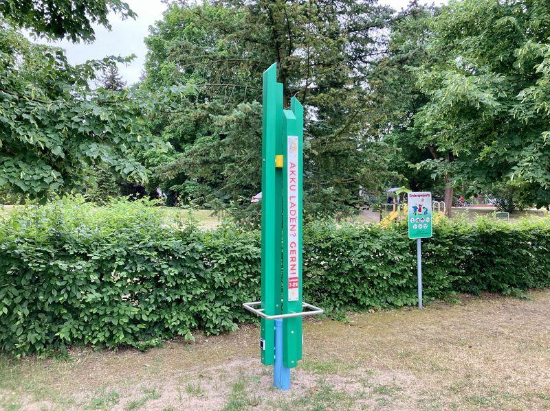 Ladesäule Bad Saarow am Märchenwald, Foto: Laura Beister , Lizenz: Seenland Oder-Spree