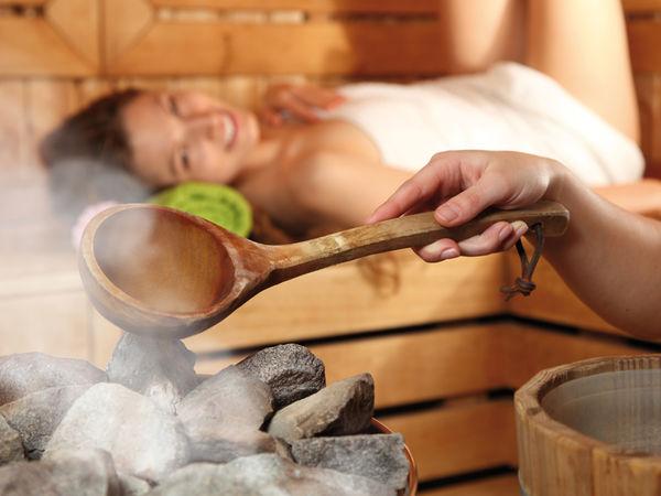 Entspannung in der Sauna, Foto: Sabine Huerdler, Fotolia