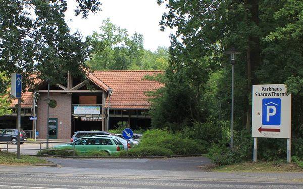 Stromtankstelle am Parkhaus der SaarowTherme, Foto: Bad Saarow Kur GmbH