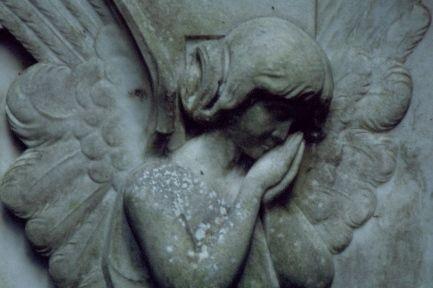 Grabstein auf dem Au-Friedhof