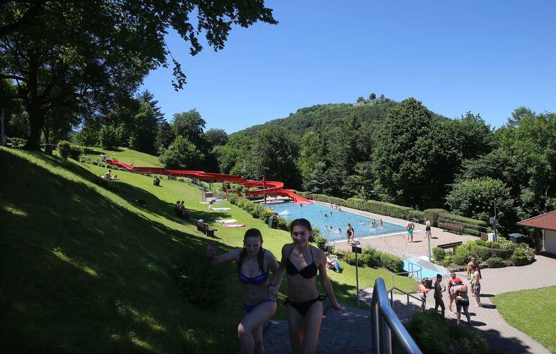La piscine découverte de Bad Urach | Kurverwaltung Bad Urach