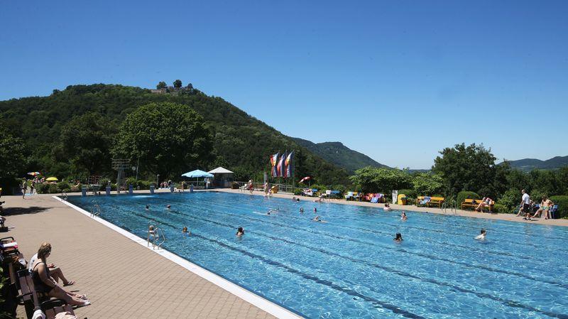 Outdoor pool with slide  Bad Urach Outdoor Pool   Kurverwaltung Bad Urach