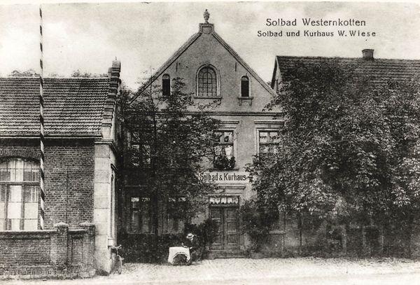 Der Ursprung des Heilbades Bad Westernkotten geht in das Jahr 1842 zurück. Er befindet sich im Garten des ehemaligen Hauses Westernkotten 51 (später Kurhaus).