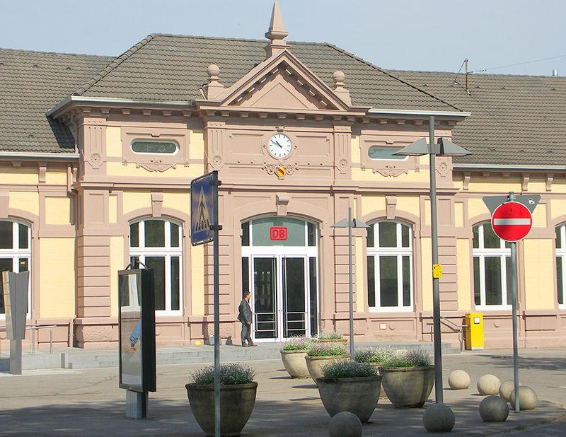 Baden Baden Bahnhof Parken