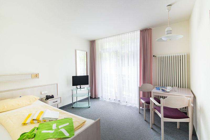 rehabilitationsklinik h henblick baden baden. Black Bedroom Furniture Sets. Home Design Ideas