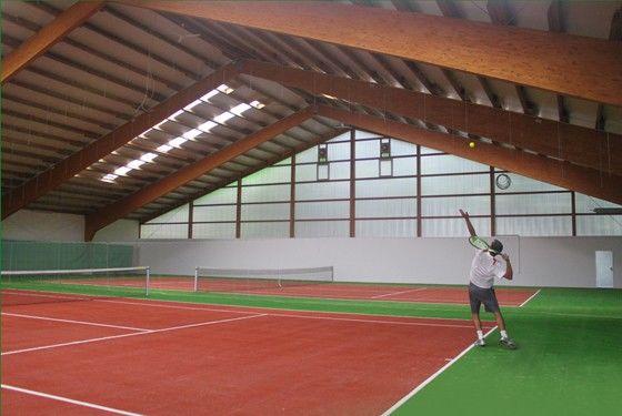 Tenniscourt Halle