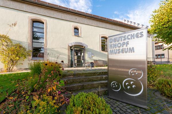 Willkommen im Deutschen Knopfmuseum in Bärnau