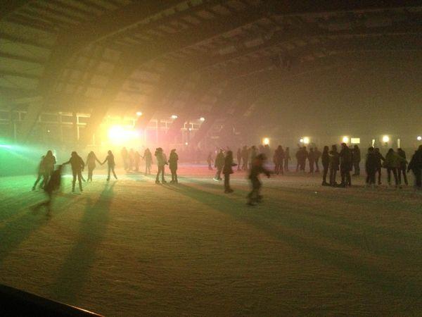 Eisdisco in der Eislaufhalle