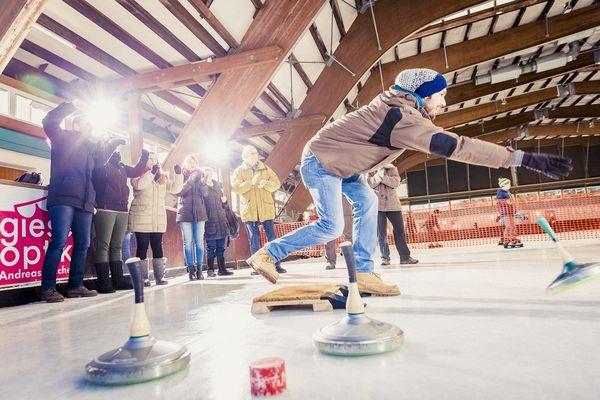 Eisstockschießen ist mit Schwarzwald Plus Karte kostenlos.