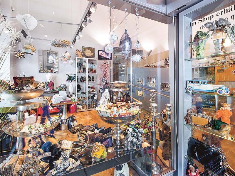 Spielzeug welten museum shop basel