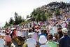 Nach der Bergmesse, die um 10:30 Uhr beginnt, verteilen sich die Besucher rund um den Gipfel des Arbers.