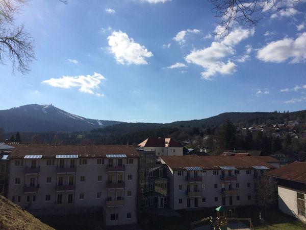 Blick über Bayerisch Eisenstein auf den Großen Arber