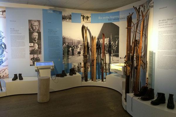 Im Ostbayerischen Skimuseum mit Skisimulator geht es um die Geschichte des Skisports