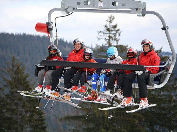 Mit der Sesselbahn zum Gipfel des Großen Arber mit der Skischule im Arberland