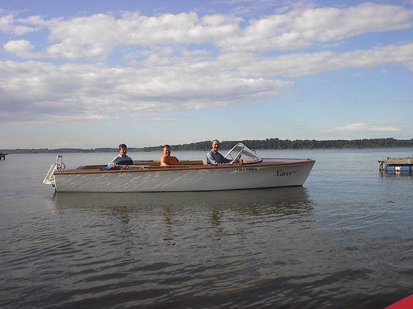 Elektroboot auf dem Chiemsee.