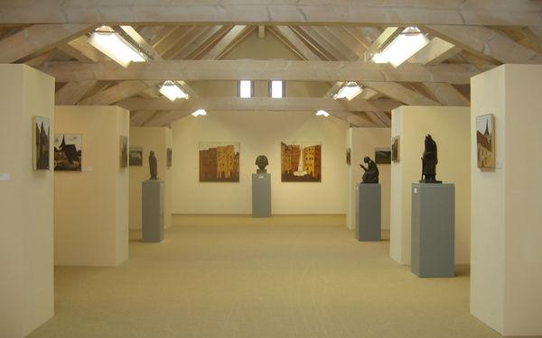 Bernau: Hans-Thoma-Kunstmuseum Blick - moderne Architektur der Ausstellungsräume