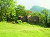 Nicht weit vom Badeplatz: die Burg Strahlegg