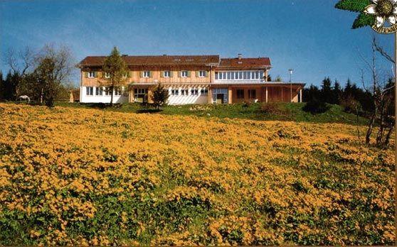 Blick auf das Landshuter Haus bei Bischofsmais
