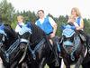 Prächtig geschmückte Pferde und Reiter beim St. Hermann-Ritt in Bischofsmais (Foto: Susanne Ebner)