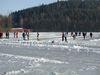 Wintervergnügen beim Eisstockschießen auf den Blaibacher See