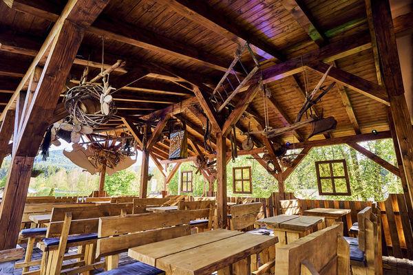 Gemütlich: der Biergarten bei JOSKA in Bodenmais