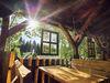 Das Kristall-Restaurant und der Biergarten laden zur gemütlichen Einkehr ein