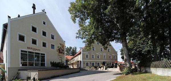 Blick auf das Bräuhaus im Brauerei-Gasthof Eck in Böbrach