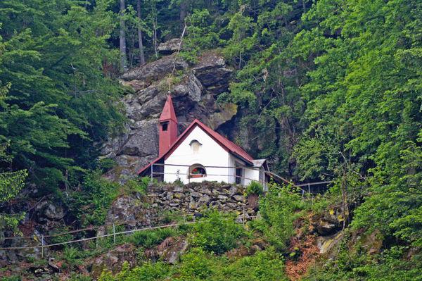 Blick auf die St. Wolfgang Kapelle bei Böbrach im ArberLand Bayerischer Wald
