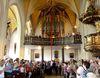 Die Pfingstkerze in der Wallfahrtskirche auf dem Bogenberg