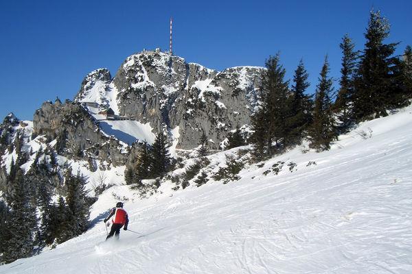 Skifahrer im Skigebiet Wendelstein.